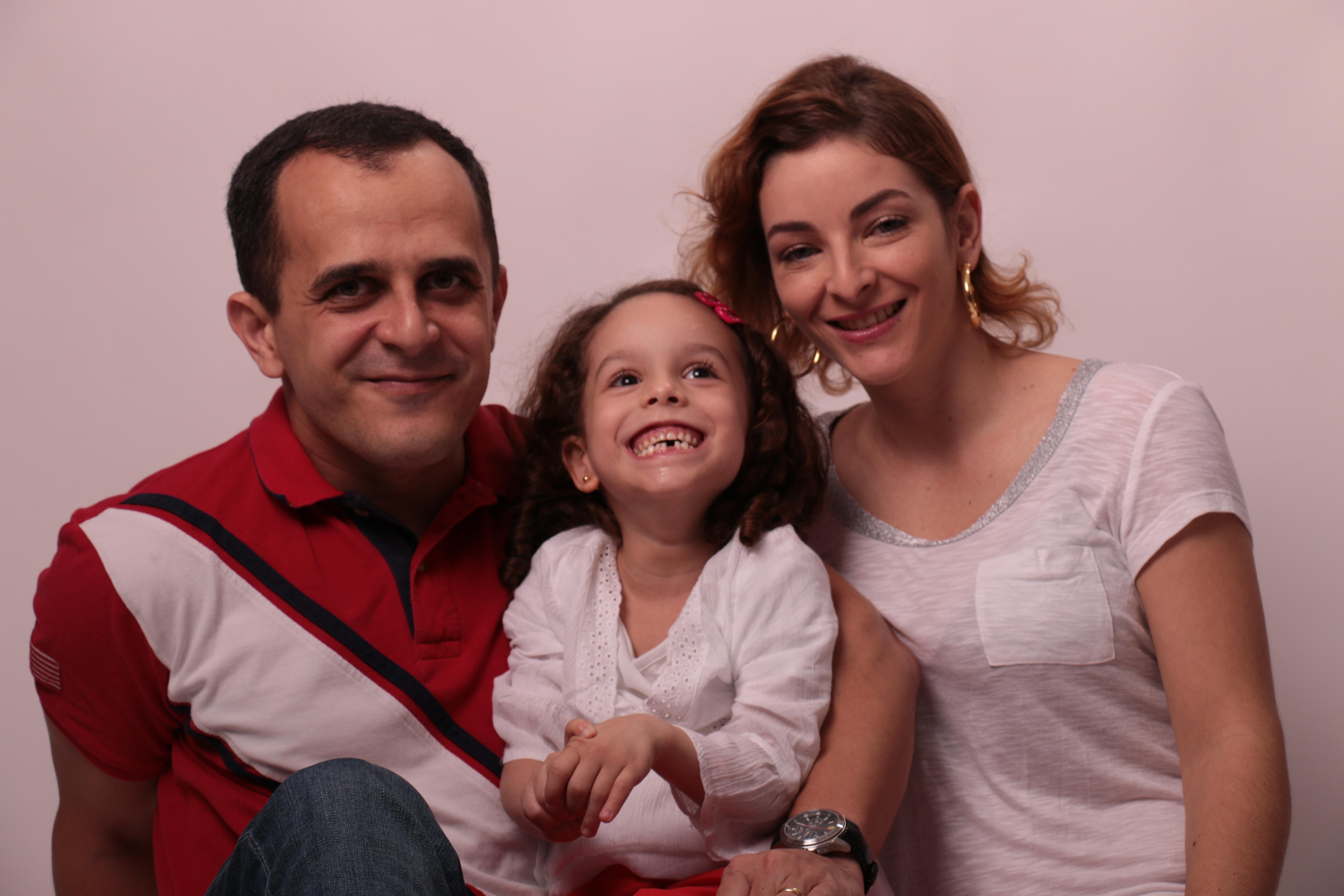 The Pereira family from left to right: Carlos, Clara, and Aline. Photo from Livox